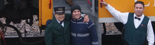Zugpersonal und ich, aufgenommen vor El Chepe an der Haltestelle Divisadero